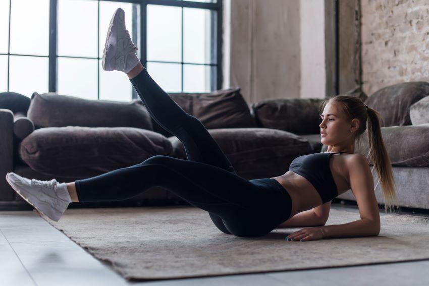 10 ejercicios para empezar a hacer deporte en casa